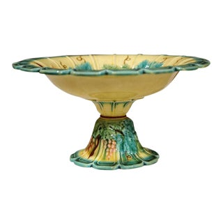 19th Century French Hand-Painted Barbotine Majolica Fruit Bowl With Grapes and Leaves