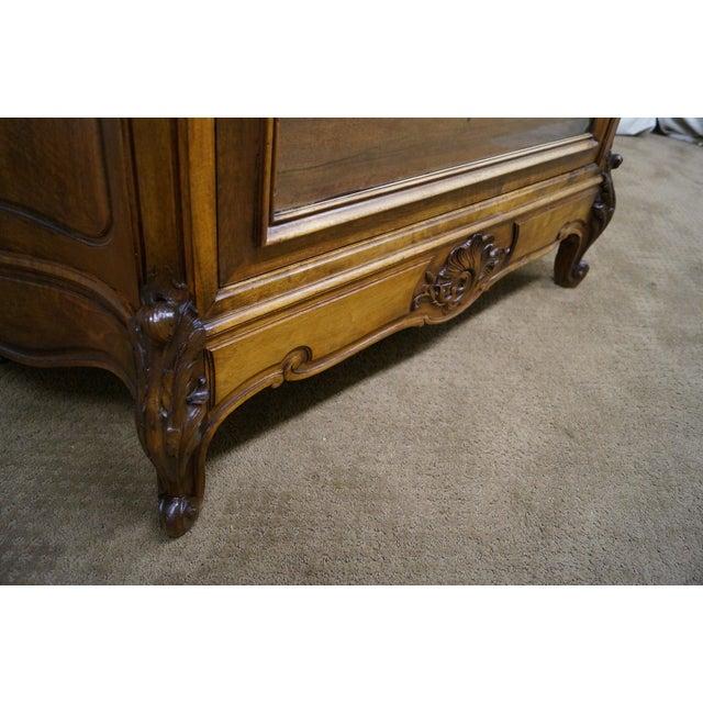 Antique 19th Century Louis XV Walnut Curio Cabinet - Image 6 of 10