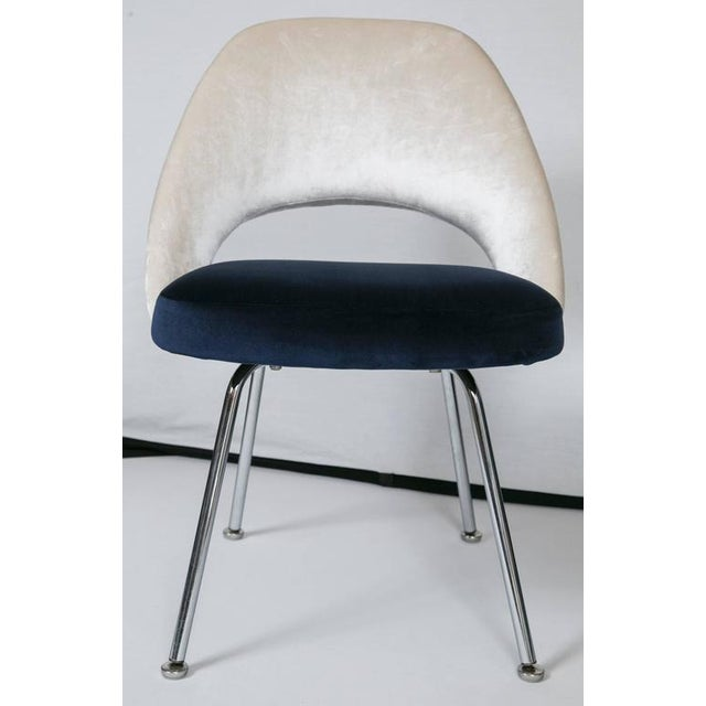 Saarinen Executive Armless Chairs in Ivory/Navy Velvet, Set of Six - Image 6 of 10