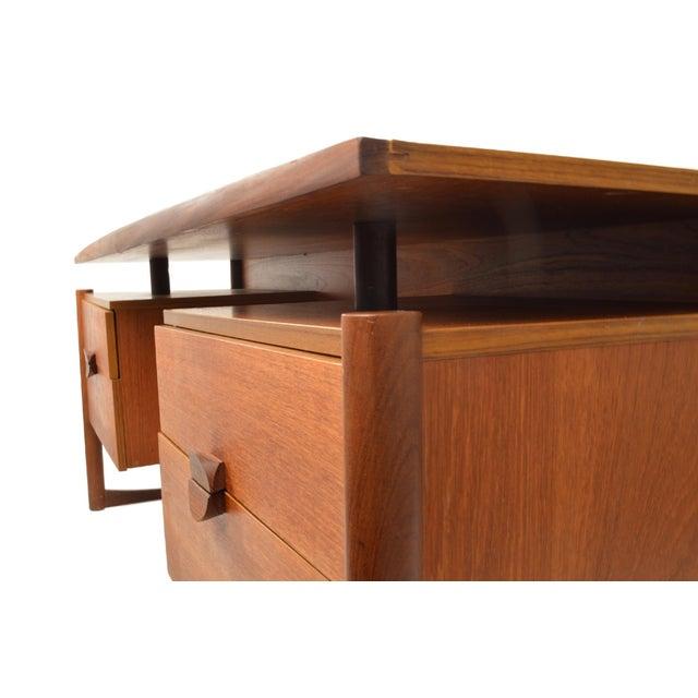 """Vintage G Plan """"Quadrile"""" Teak Desk - Image 2 of 5"""
