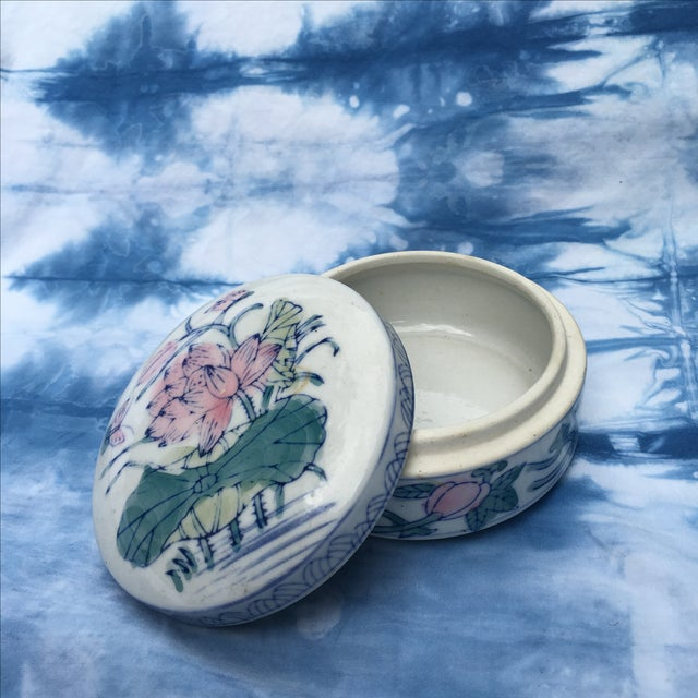 Vintage Chinoiserie Round Porcelain Box - Image 2 of 5