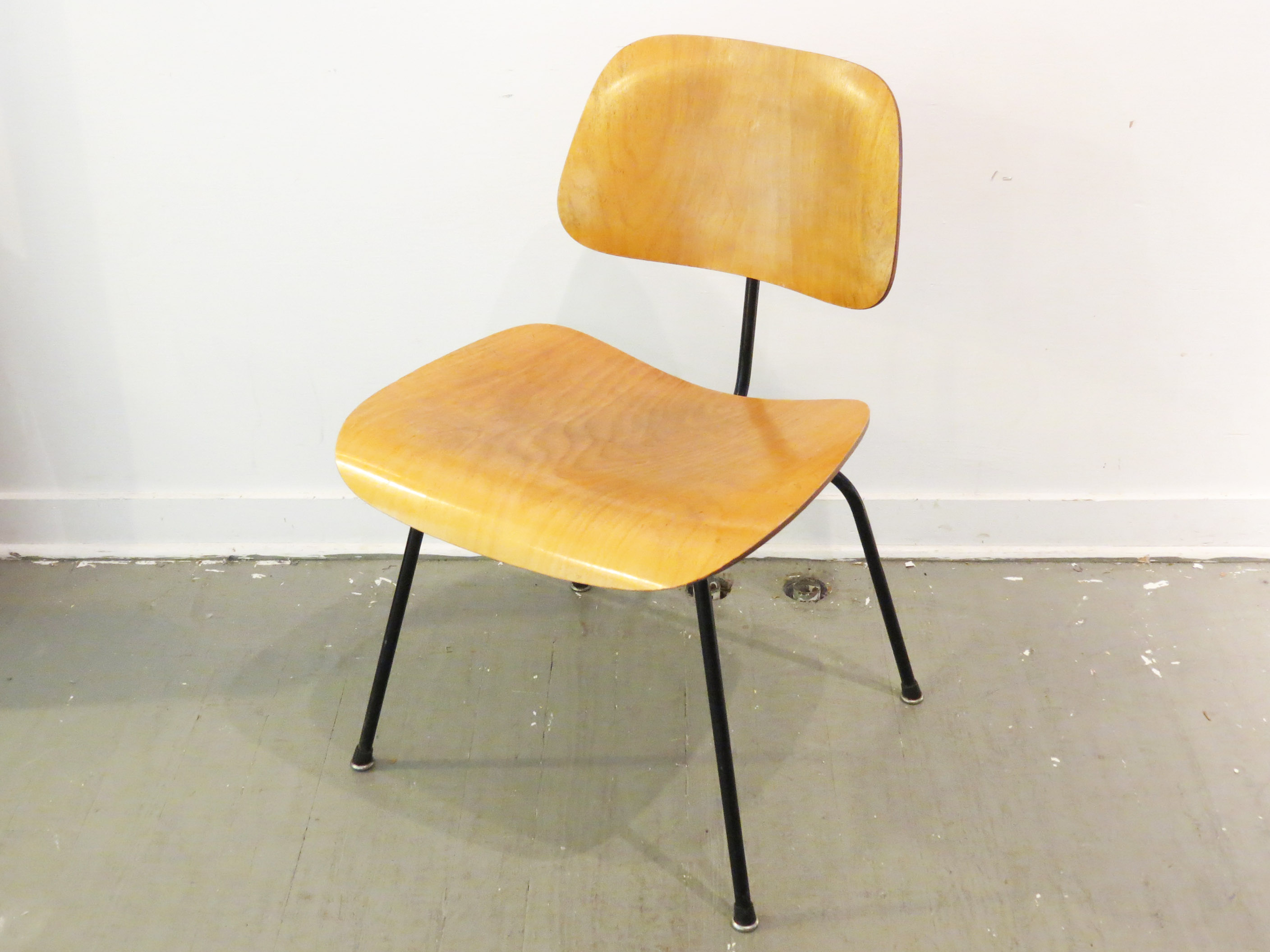Vintage Eames Molded Plywood Dining Chair   Image 3 Of 7