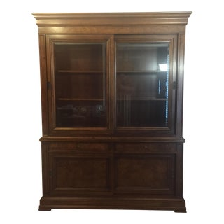 Ethan Allen Townhouse Sliding Door China Cabinet Buffet