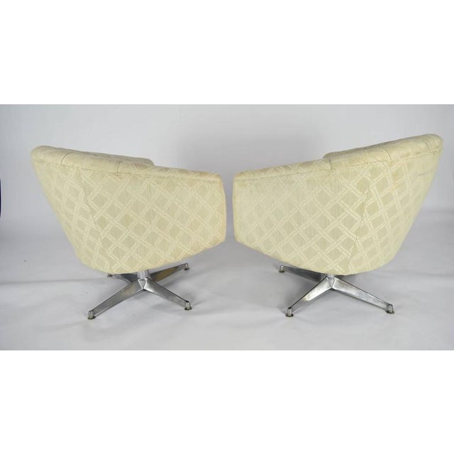 Pair of Ward Bennett Swivel Lounge or Club Chairs - Image 4 of 6