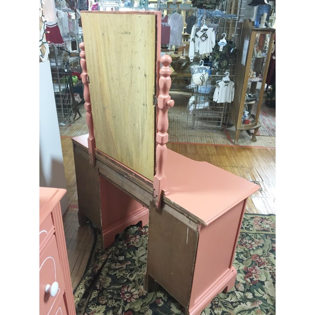 Antique Pink Painted Shabby Chic Vanity & Mirror - Image 9 of 11
