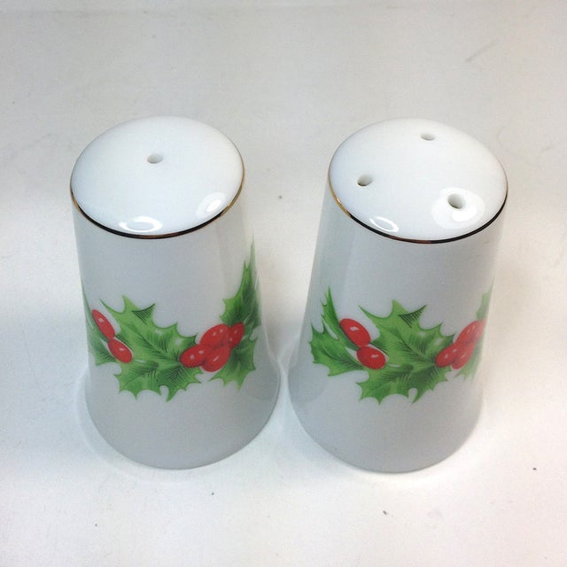 Porcelain Christmas Holly Salt & Pepper Shakers - Image 3 of 4