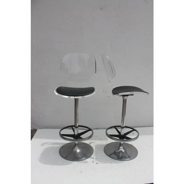 Vintage Lucite & Tulip Base Swivel Bar Stools - A Pair - Image 3 of 9