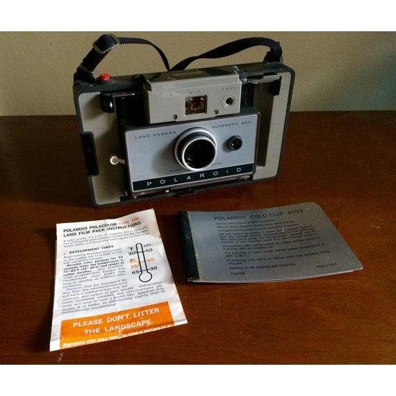 Vintage Polaroid Land Camera Model 230 - Image 6 of 6