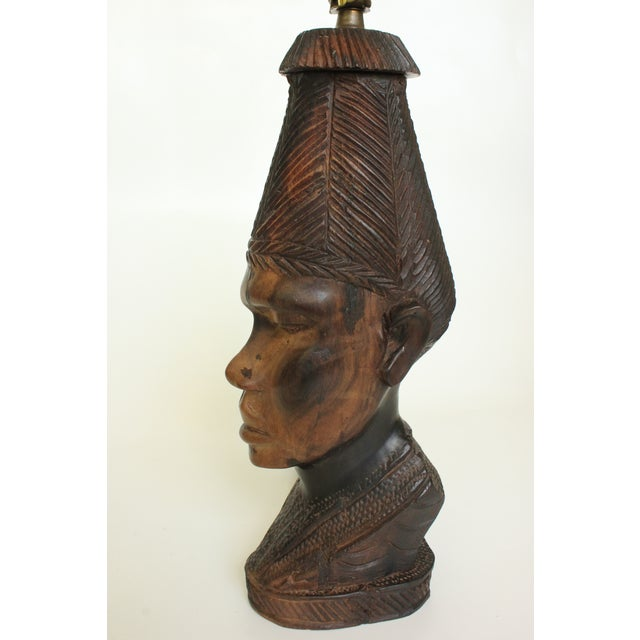 African Bust Table Lamp with Cheetah Stone Finial - Image 5 of 8
