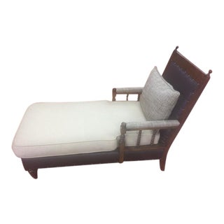 Traditional Style Chaise Lounge