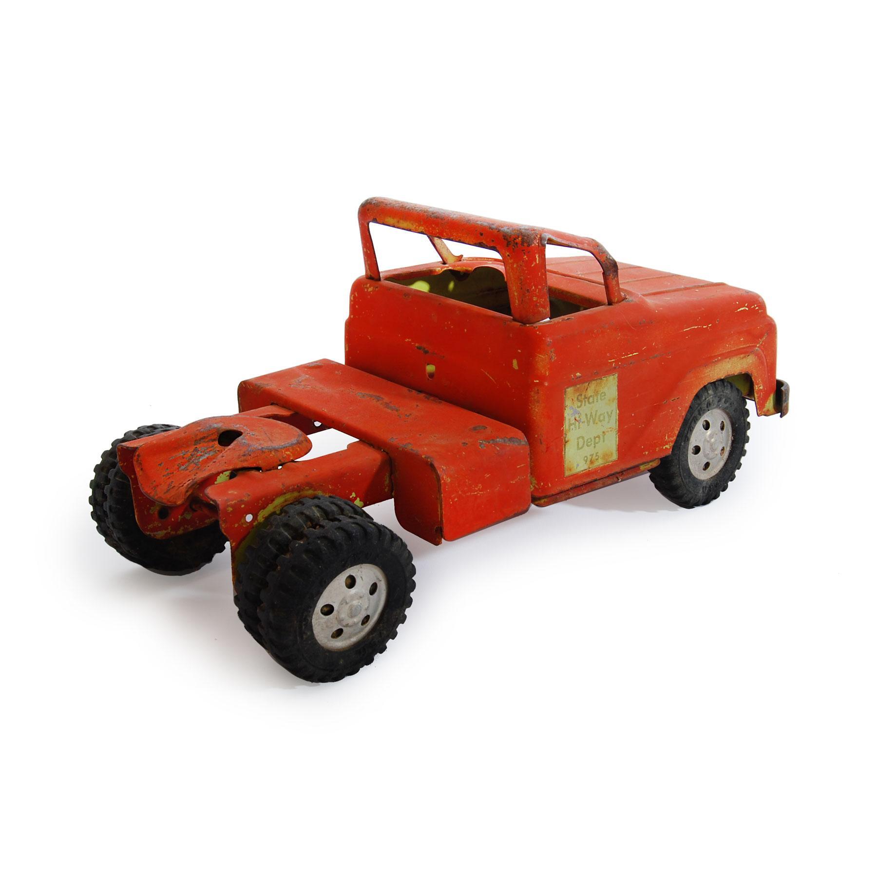 1950s Tonka quotState Hi Wayquot Tow Truck Vintage Toy Chairish : 2f9404e7 56dc 45b1 8795 614129aa6062aspectfitampwidth640ampheight640 from www.chairish.com size 640 x 640 jpeg 27kB