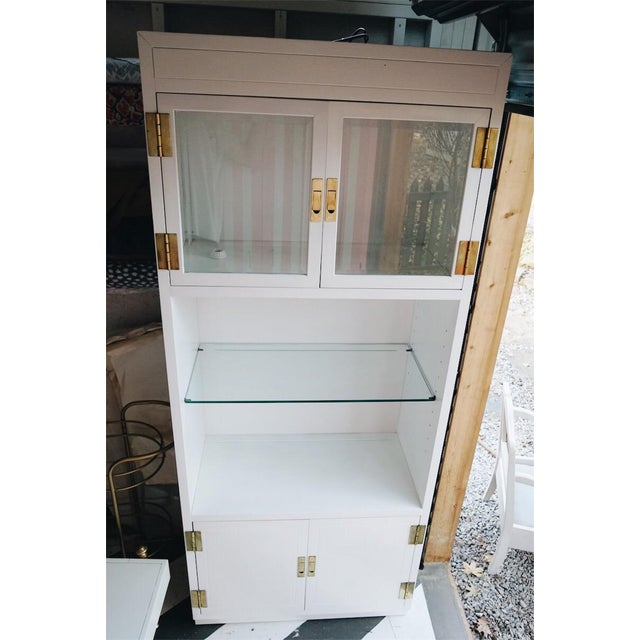 Henredon Scene One Display Cabinet Painted in White - Image 11 of 11
