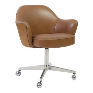 Saarinen for Knoll Desk Chair on Swivel Base in Saddle Leather & Suede