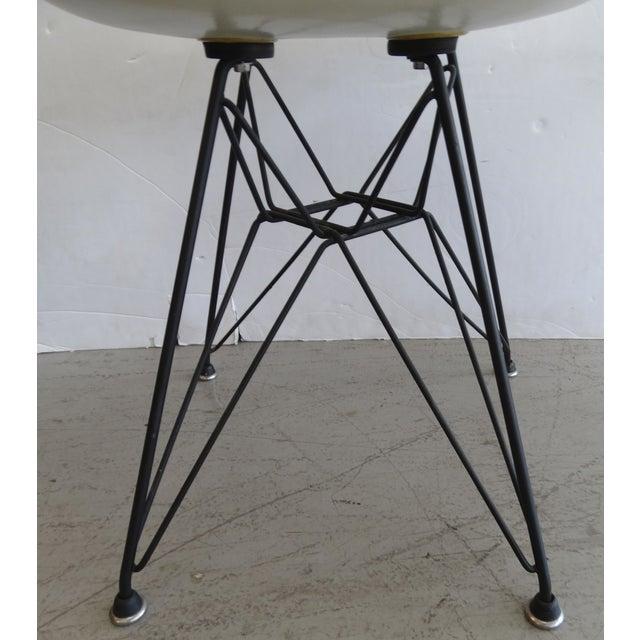 Image of Herman Miller Eames Vintage Eiffel Base Chair