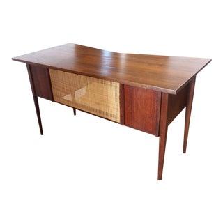 Stylish Walnut Mid-Century Desk by Edward Wormley for Dunbar