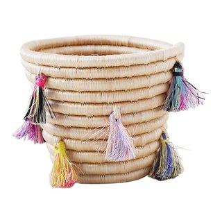 Mini Eyelash Tassel Basket