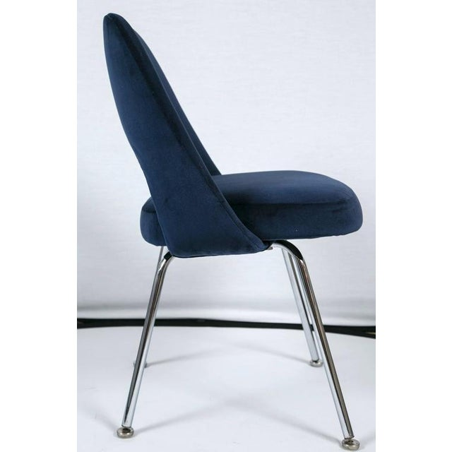 Saarinen Executive Armless Chairs in Navy Velvet, Set of Six - Image 5 of 7