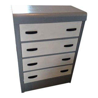 Vintage Chalk Painted Chest of Drawers