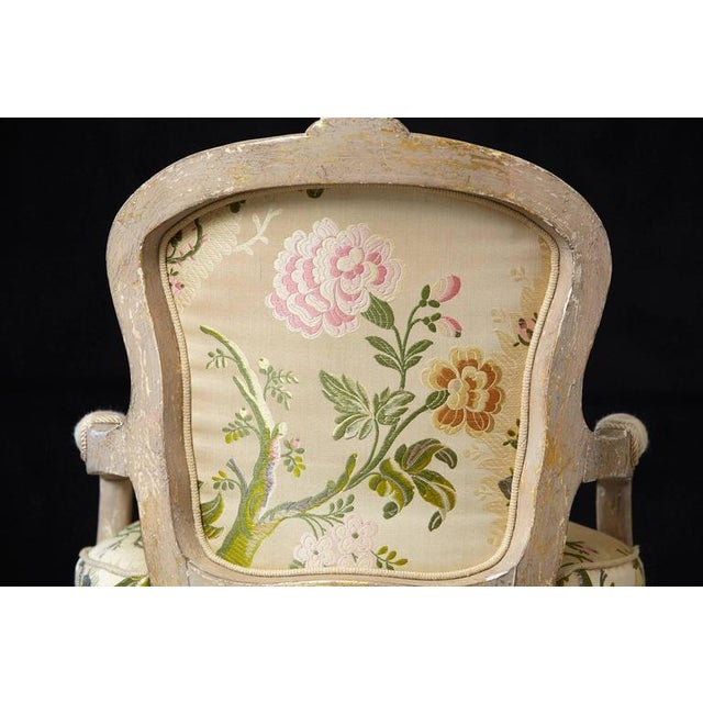 French Louis XV Style Painted Child's Fauteuil in Flower Chintz Fabric from ABC - Image 7 of 10