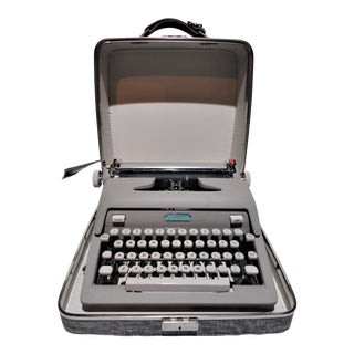Royal Heritage Gray Portable Typewriter