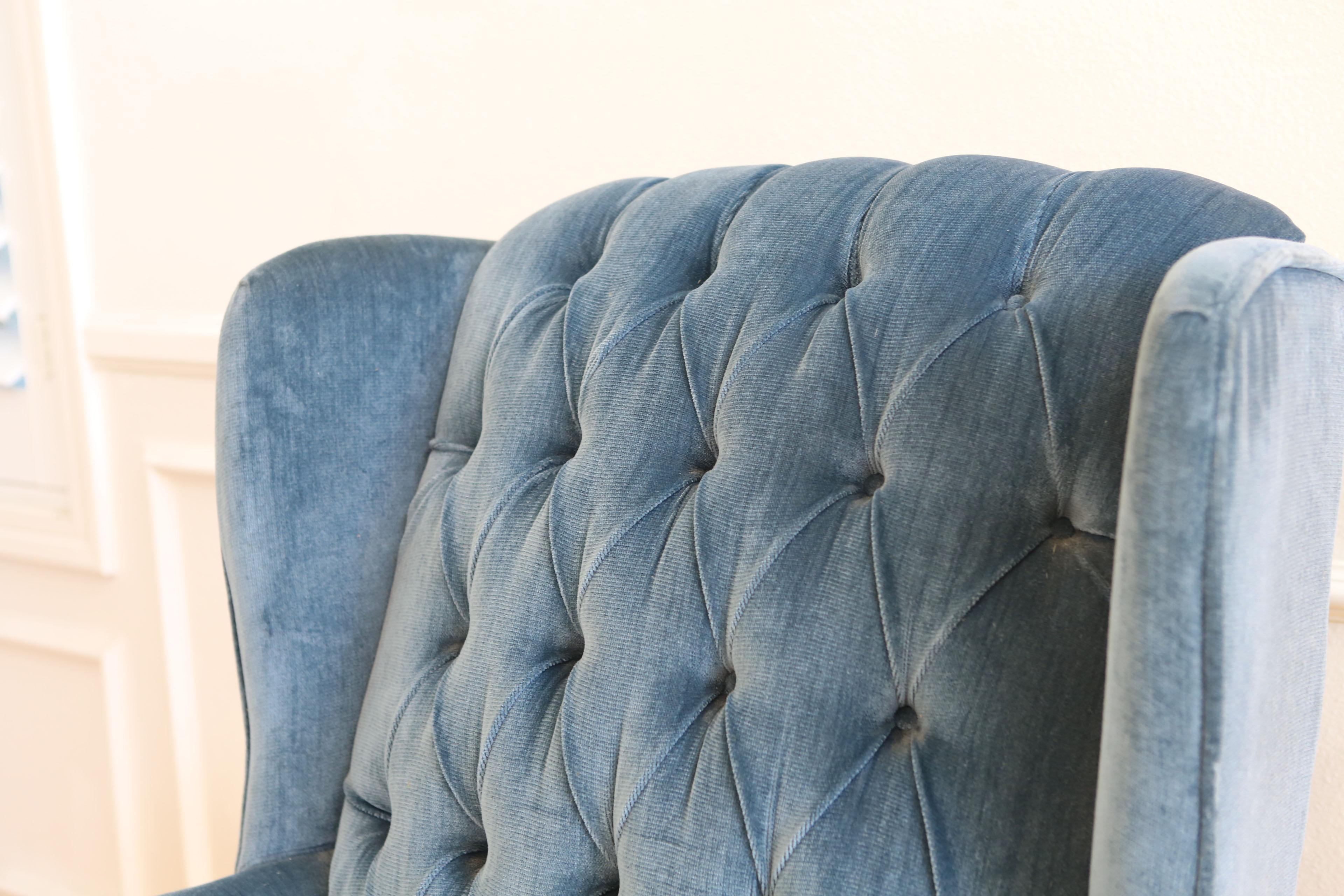vintage blue navy tufted velvet wingback chair image 4 of 9