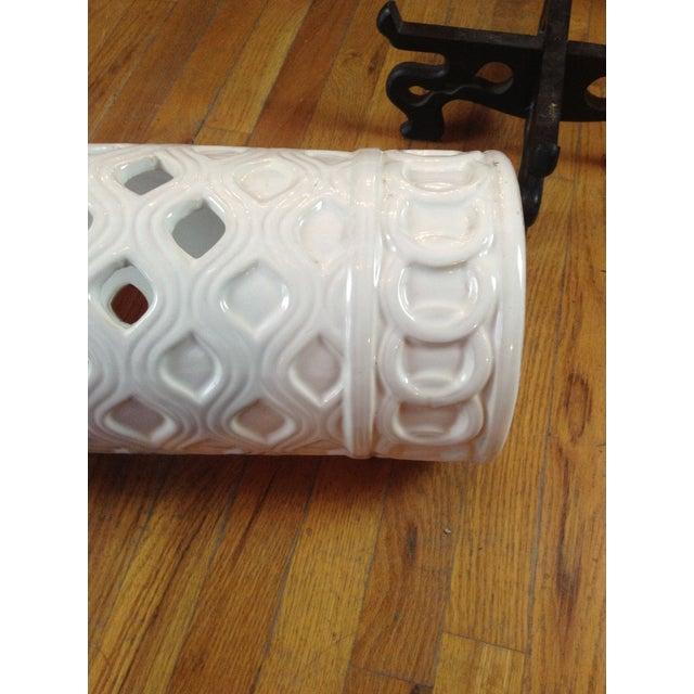 White Ceramic Umbrella Stand - Image 5 of 11