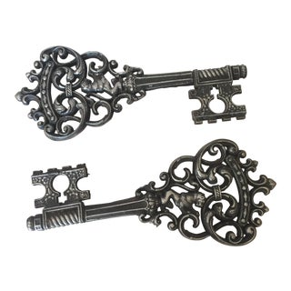 Large Lion Regency Cast Metal Keys - A Pair