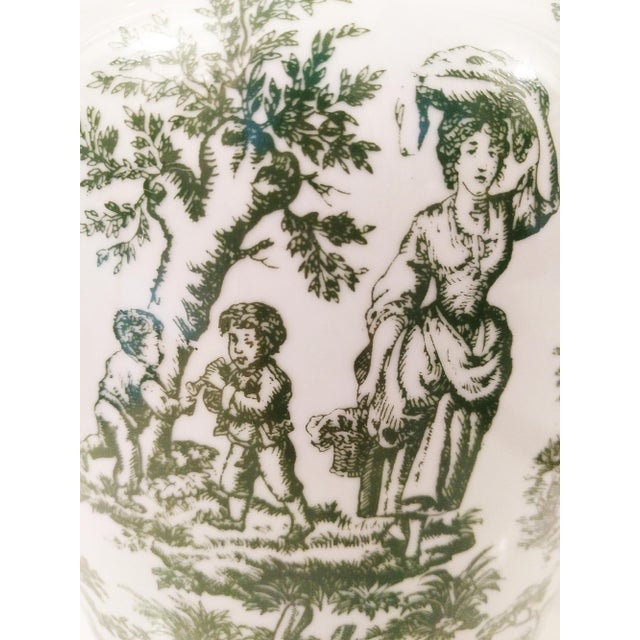 Vintage Green & White Toile Ceramic Table Lamp - Image 4 of 4