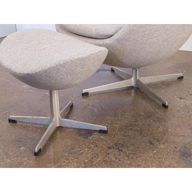 Arne Jacobsen Egg Chair and Ottoman - Image 10 of 11