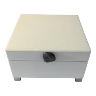 Lacquered Box With Amethyst Stone
