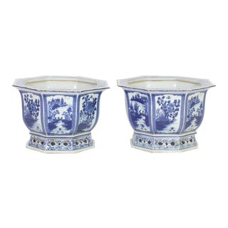 Two Pairs of Chinese Export Style Blue and White Porcelain Planters