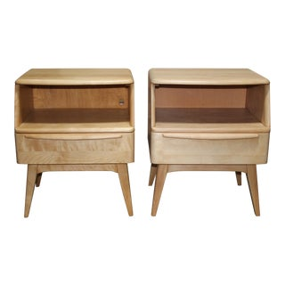 Pair of Heywood Wakefield Encore Maple Lamp Tables / Night Stands