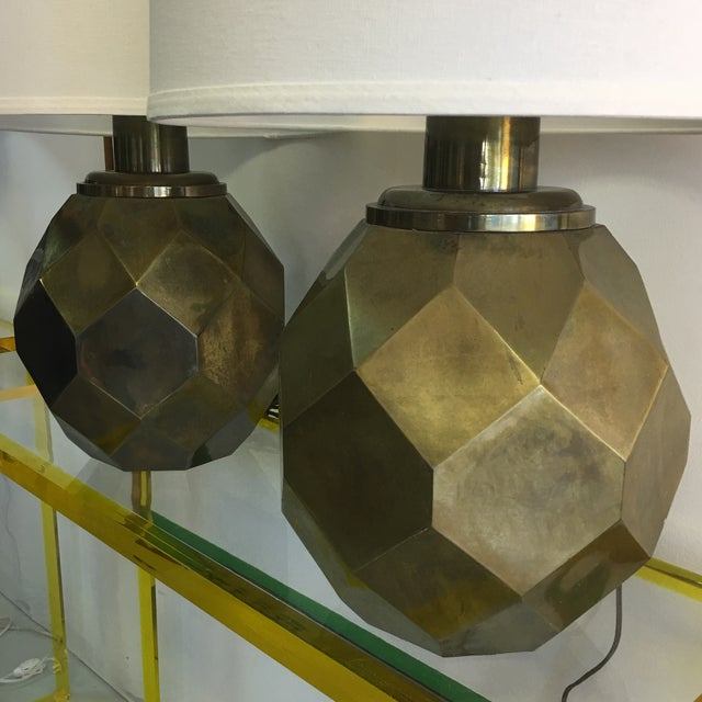1977 Faceted Chapman Brass Lamps - a Pair - Image 4 of 8