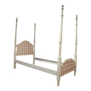 Gingham Motif 4-Poster Twin Bed