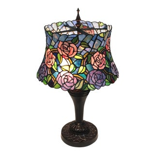 Tiffany-Style Rose Pattern Table Lamp