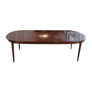 Hepplewhite Mahogany Henkel-Harris Dining Table