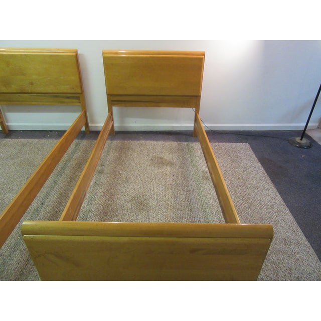 Mid-Century Wakefield Style Twin Beds - A Pair - Image 4 of 11