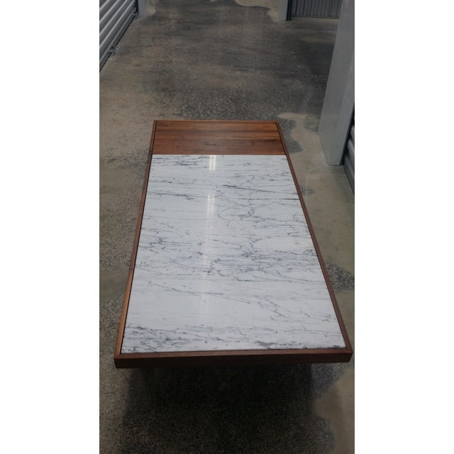 Mid Century Modern Marble Table: Mid-Century Modern Marble Top Coffee Table