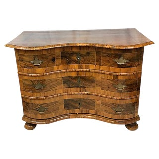 18th-Century French Serpentine Commode