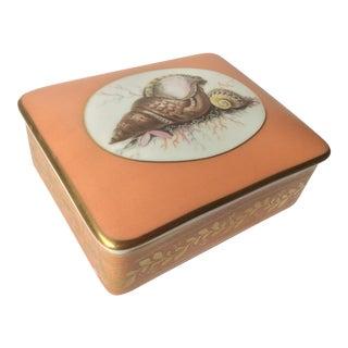 Mottahedeh Historic Natchez Seashell Porcelain Box