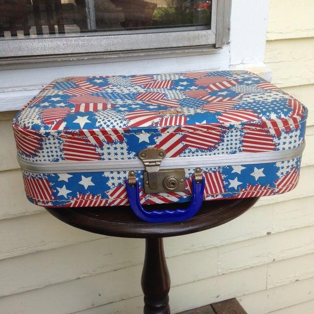 Patriotic Vintage Child's Suitcase - Image 2 of 5