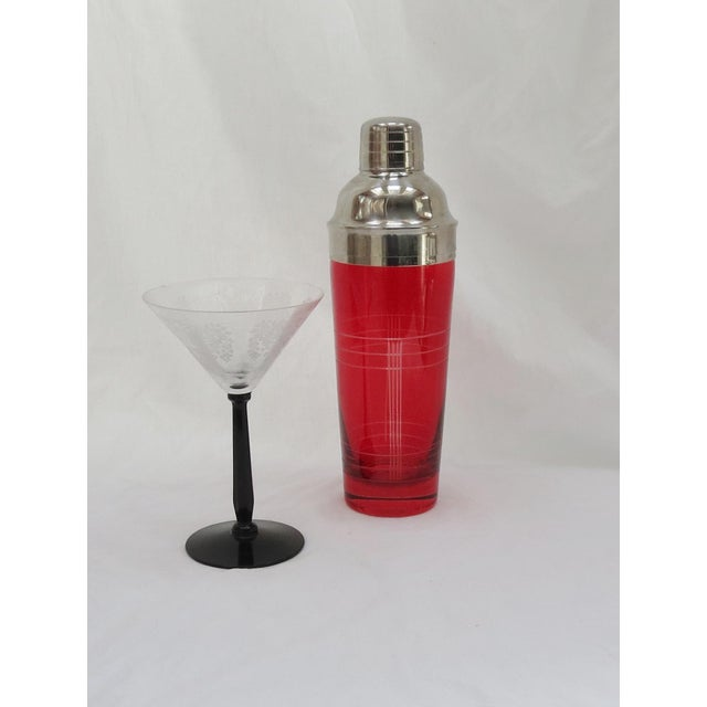 Christmas Red Glass Cocktail Shaker - Image 2 of 5
