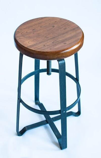 West Elm Rustic Bar Stools Set of 3 Chairish : 3580a9bf 560d 4300 b944 b6a5c767a13easpectfitampwidth640ampheight640 from www.chairish.com size 625 x 625 jpeg 30kB