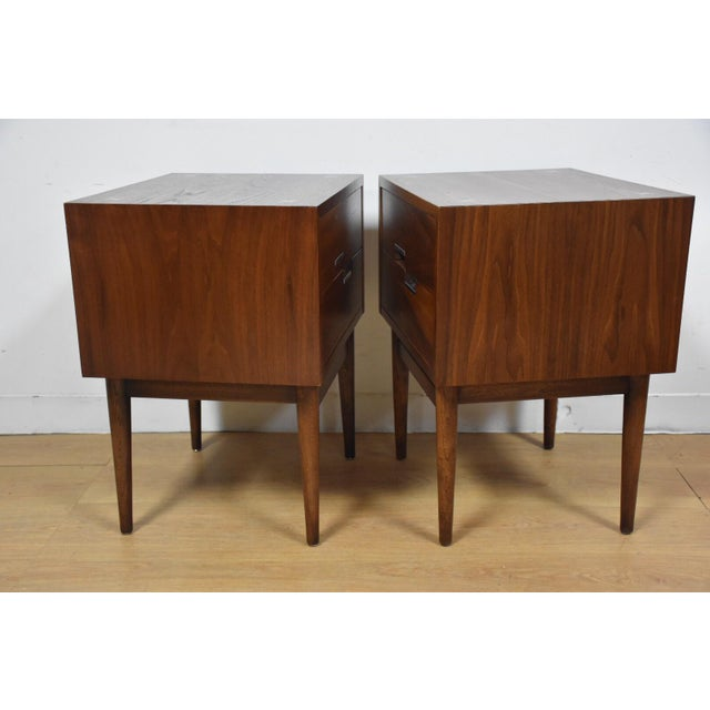 American of Martinsville Walnut Nightstands - A Pair - Image 3 of 9