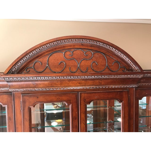 Hickory White Legends China Cabinet - Image 6 of 10