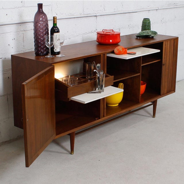 Mid-Century American Modern Walnut Sideboard & Dry Bar - Image 6 of 11