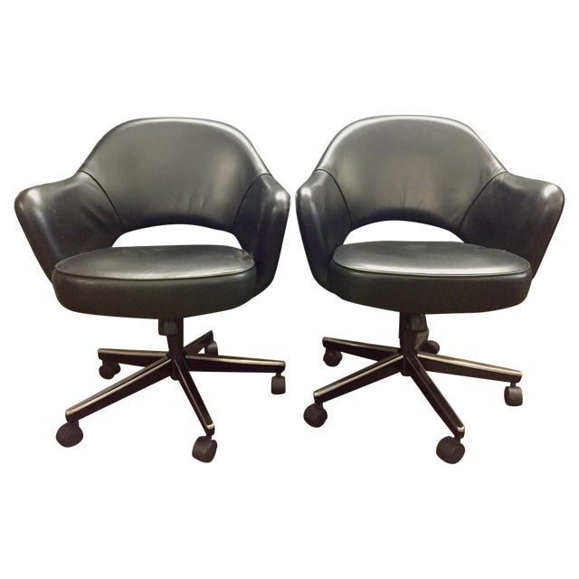 Eero Saarinen Knoll Blk Leather Chair -5 Available - Image 2 of 7