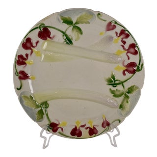 K&G St. Clément French Faïence Bleeding Heart Asparagus Plate