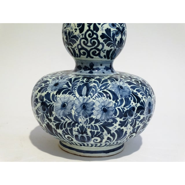 Large Dutch Delft Vase - Image 5 of 7