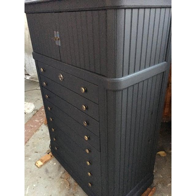 National Mount Airy Black & Gold Beadboard Dresser - Image 4 of 10